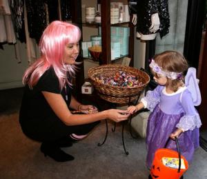 Elisa B., Old Pasadena, Halloween Celebration, PAMD